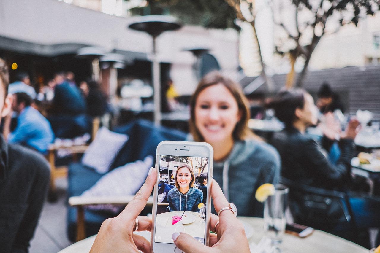 Ajouter une photo à un contact sur un smartphone